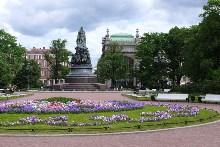 Фото достопримечательности Санкт-Петербурга памятника Екатерине 2