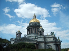 The most popular sight in Petersburg is Isaakievskiy church